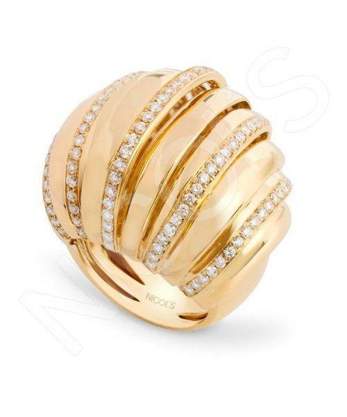 Anillo Oro y Diamantes TIERRA GAJOSNICOL´S. Sortija de 11 gajos en escalera, de 26mm de ancho total, con cinco gajos en microengaste. Fabricada en oro amarillo, diamantes blancos de 1.90ct.