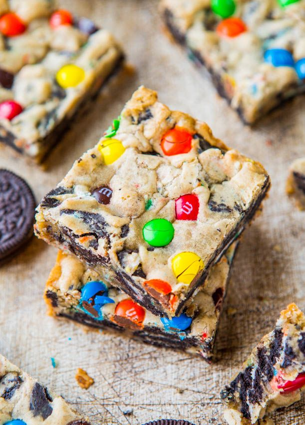 Loaded M&M Oreo Cookie Bars // almost too good to be true....