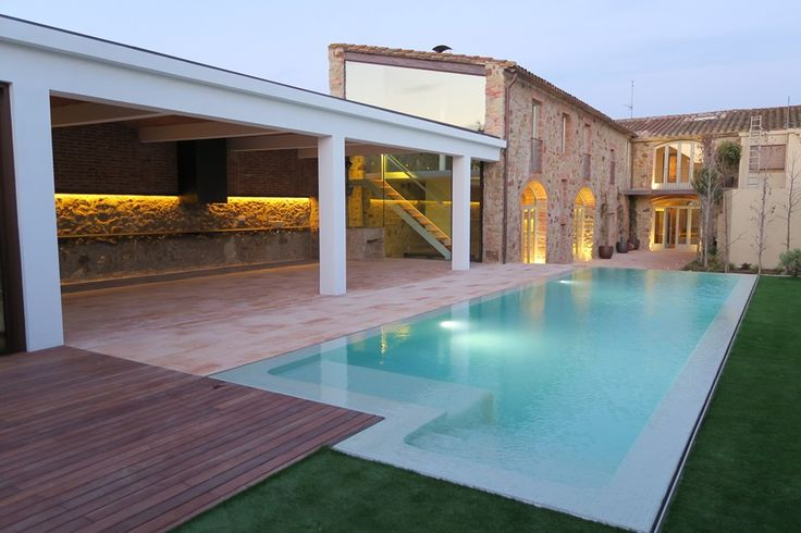 Casa en venta pueblo Pals Empordà | Cases Singulars de l'Empordà #casarural #casasdepueblo #jardin #piscina #pals #interiorismorustico #emporda