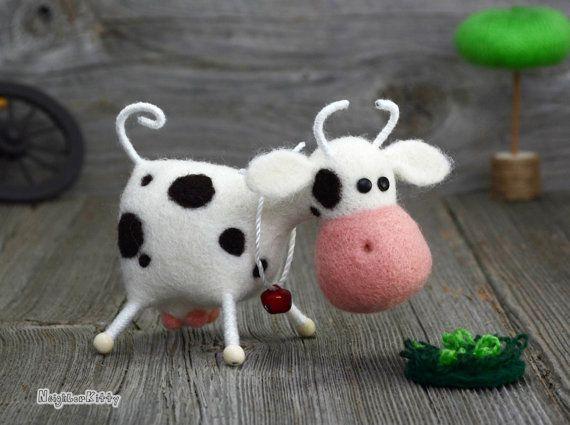 Aguja fieltro arte escultura blanda - batanado de la aguja - la vaca - animal fieltro hecho a pedido - aguja - fibra - decoración del hogar - regalos