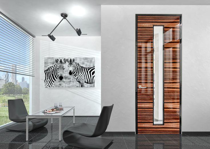 Wandbündige Tür System INTRA UZ in Hochglanz mit beidseitig flächenbündiger Verglasung