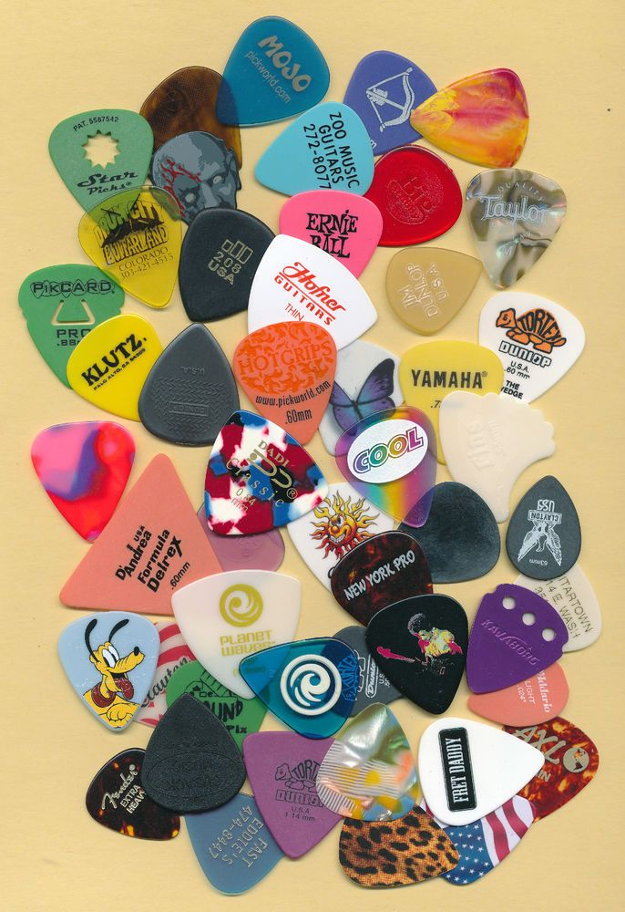 50 guitar picks (large lot 1)