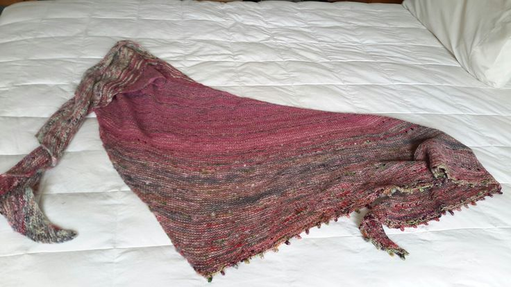 Pattern Free your Fade by Andrea Mowry. Wool dyed, speckled, spun and knitted by me.