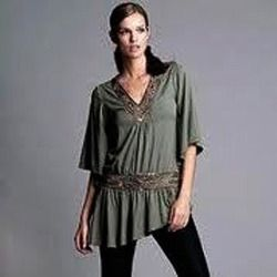Our company Bootsnclass provides stylish western wear for women. Women look pretty, charming, adorable, hot in western dresses. Western women, celebrities, models also wear this type of dresses. Western wear can be very informal with shirts and blue jeans forming a basic ensemble or may it consist of tailored formal garments with western dresses