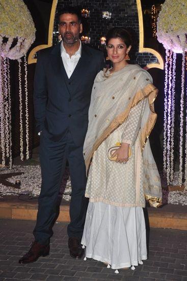 Akshay Kumar and Twinkle Khanna bottom detail