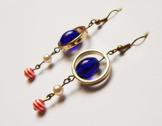 Boucles d'oreilles anneaux bleu/blanc/rouge par NotInDiamond, $10.00