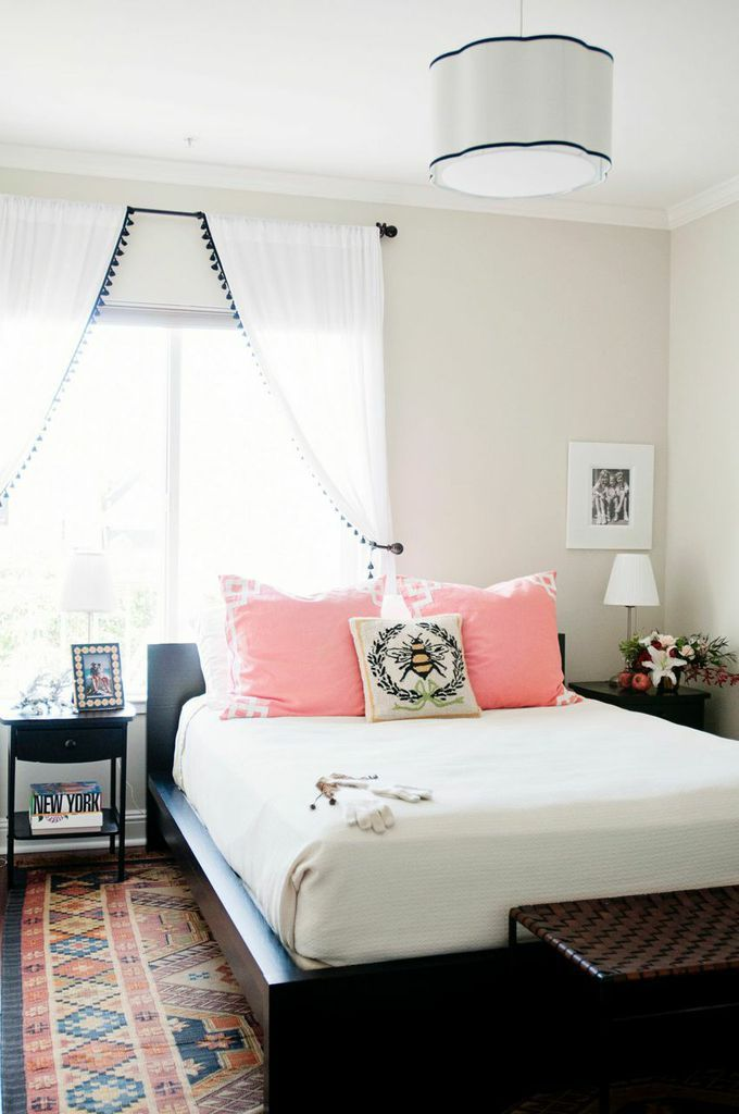 Best 25 Bed Placement Ideas On Pinterest Rug Placement