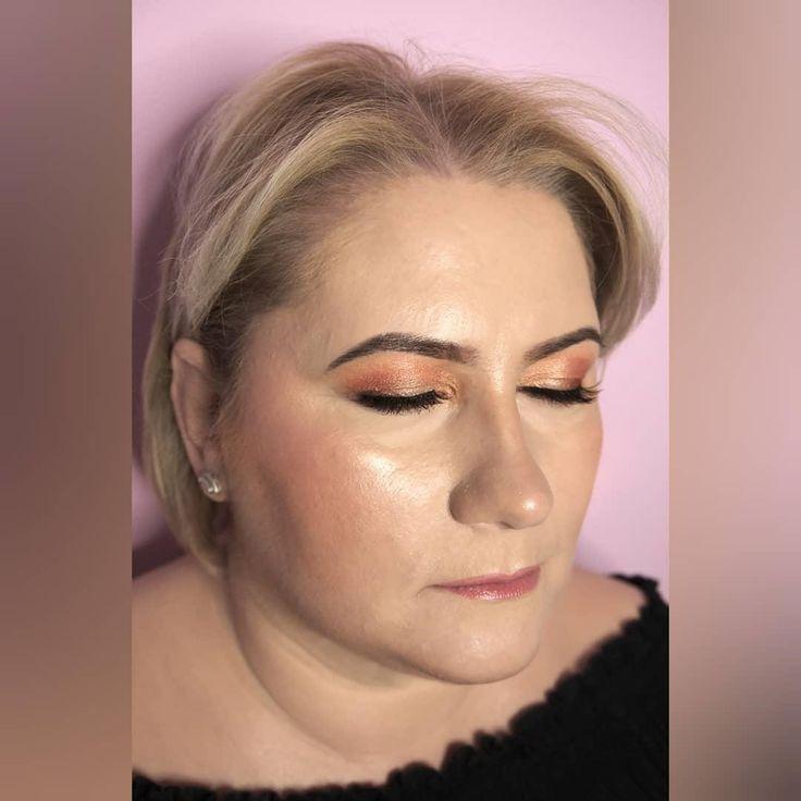 Sie sind am effektivsten durch Video, da Zuschauer genau sehen können, wie techniq …   – Make up forever box