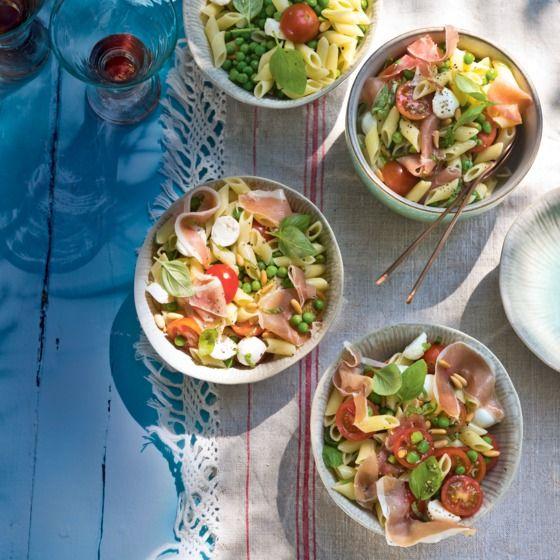 Mediterrane pastasalade met serranoham