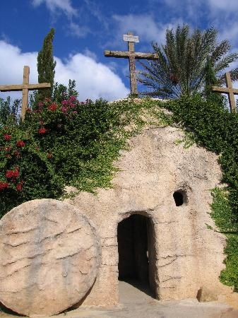 Holy Land Experience: The Garden Tomb has a deeply spriritual quality to it.