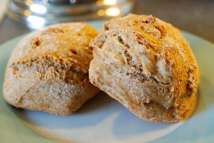 Healthy wholegrain buns.   See more at: http://evabyeva.dk/13-delikate-sundhedsbomber-to-eat