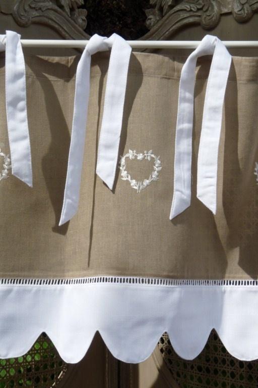 Cantonnière Campagne Coeur blanc, Cantonnières, cantonnière, rideaux, rideau, brodés, voilages, voilage, brodé, brise bise, pointe, prêt à poser, rideau de cuisine, organza, étamine, lin
