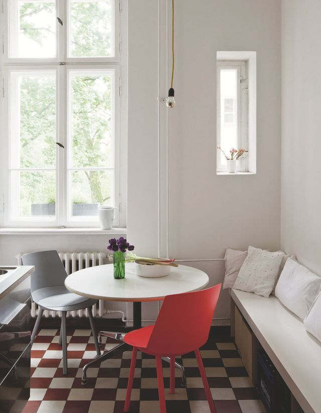 Berlin l 39 appartement arty de silke neumann table and for Appartement ultra design