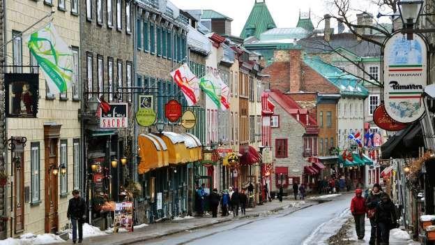 Québec, au Canada Contrairement aux États-Unis, le port d'armes est réglementé au Canada. Et la très jolie ville de Québec a l'un des taux de criminalité les plus bas du pays! Et, pour couronner le tout, on y mange aussi très bien…