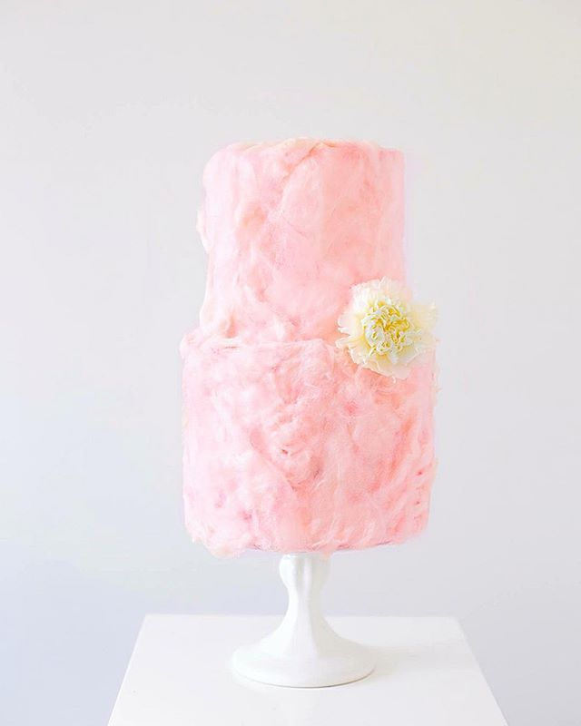 Cotton Candy cake ! Blood orange & champagne cake covered in mandarin flavoured floss from @fluffegram x