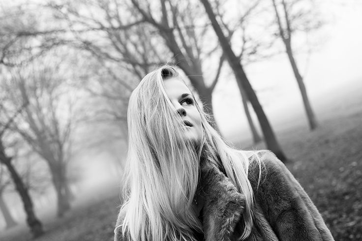 Photographer:Michelle Äärlaht Yesterday I meet Michelle for a stroll in Regents Park, she brought her camera so we took some amazing photos. The feeling was so moody and scary in regents park beca…