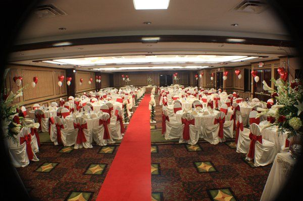Wedding Ceremony And Reception In Same Location: Combined Wedding Ceremony & Reception Set Ups