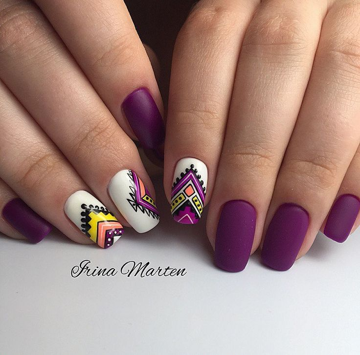 #Beauty #Beautyinthebag http://hubz.info/59/flower-nail-art