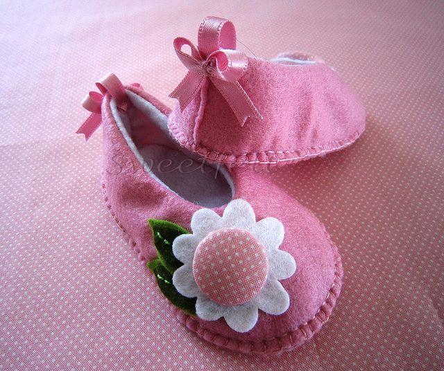 ♥♥♥ Rosinha, para as meninas bonitas... by sweetfelt  ideias em feltro, via Flickr