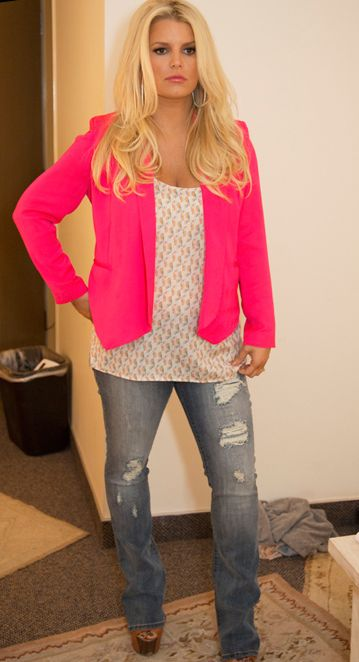 Bellyitch: Jessica Simpsons maternity line on display on Fashion Star set
