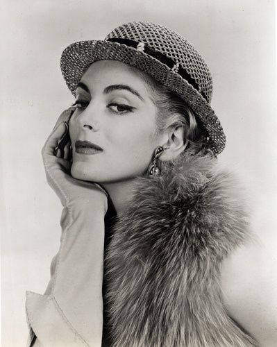 carmen oldest model | Top Fashion Models of All Time, and Their Timeless Appeal | FurInsider ...