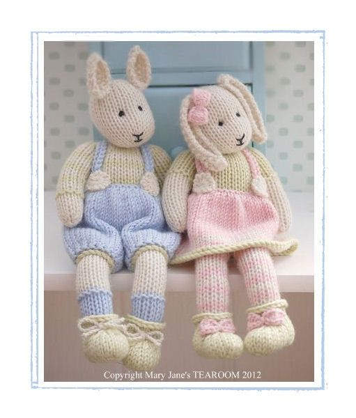 A 2 pattern deal to purchase both LILY & SAMUEL Bunny....  Pattern is written in ENGLISH. Worked flat on 2 straight needles and seamed.