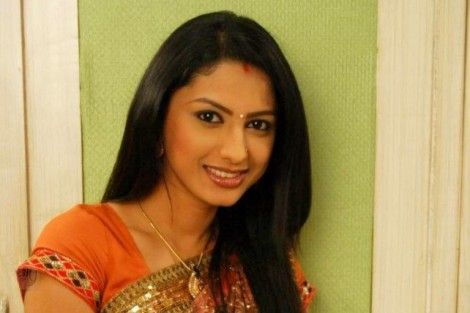 Rucha Hasabnis Sexy Wallpaper - Rucha Hasabnis Rare and Unseen Images, Pictures, Photos & Hot HD Wallpapers