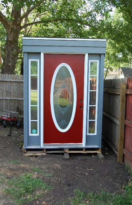Shed made out of recycled doors and windows...Love it!: Recycled Door, Windows Lov, Window Lov, Rrecycl Window, Houses Ideas