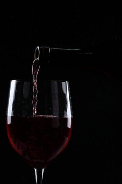 copas de vino fondo negro - Buscar con Google