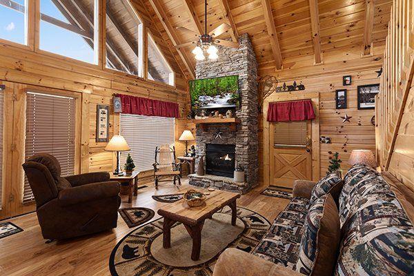 Aunt Bug S Cabin Rentals Pigeon Forge Gatlinburg Tn Cabin Rentals Cabin Tennessee Vacation