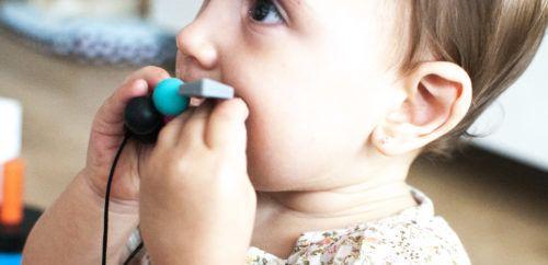 Dentición: collar de silicona o de ambar? https://www.mayumi.es/denticion-collar-de-silicona-o-de-ambar/