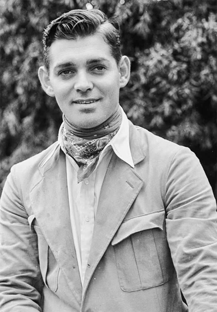 Clark Gable, 1932... where is the moustache? :)