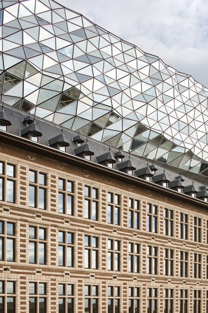 Gallery of Antwerp Port House / Zaha Hadid Architects - 14