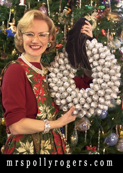 Click here to DIY a real Walnut Wreath. Tips, Blog & Video!! MrsPollyRogers.com