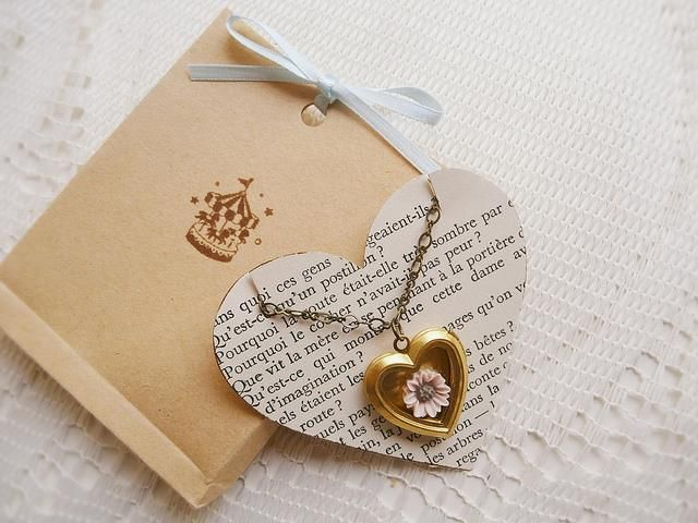 Heart holder for necklace.  I like this idea.