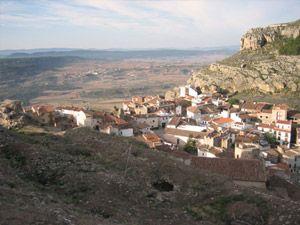 El Mirador de la Veleta o San Cristóbal   En este punto se puede observar prácticamente todo el término municipal. Se encuentra situado en la loma de San Cristóbal, sobre el casco urbano de la villa.