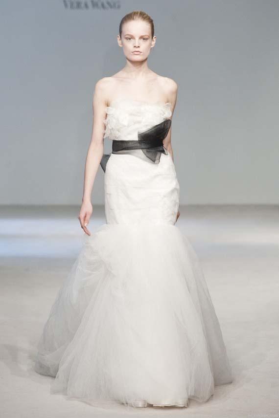 37 best Vera Wang Bridal images on Pinterest | Vera wang wedding ...