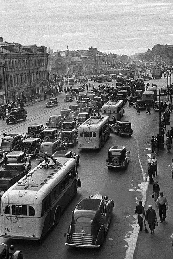 1939 год, улица Горького у Белорусского вокзала . Old Moscow