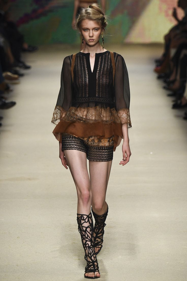 Alberta Ferretti Spring 2016 Ready-to-Wear Fashion Show. Love the whole look but especially the shoes.