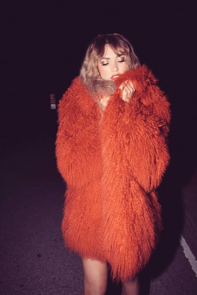 Bundled up right. / Night out style.