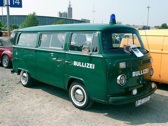 vw bulli police bulli and polizei bullizei volkswagen t2. Black Bedroom Furniture Sets. Home Design Ideas