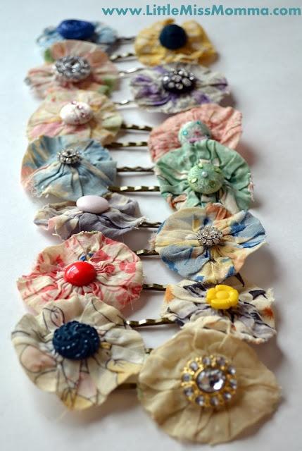 Anthropologie-inspired flower yo-yo hair pins. Make yo-yo, add button, and you're good to go.  #DIY #tutorial