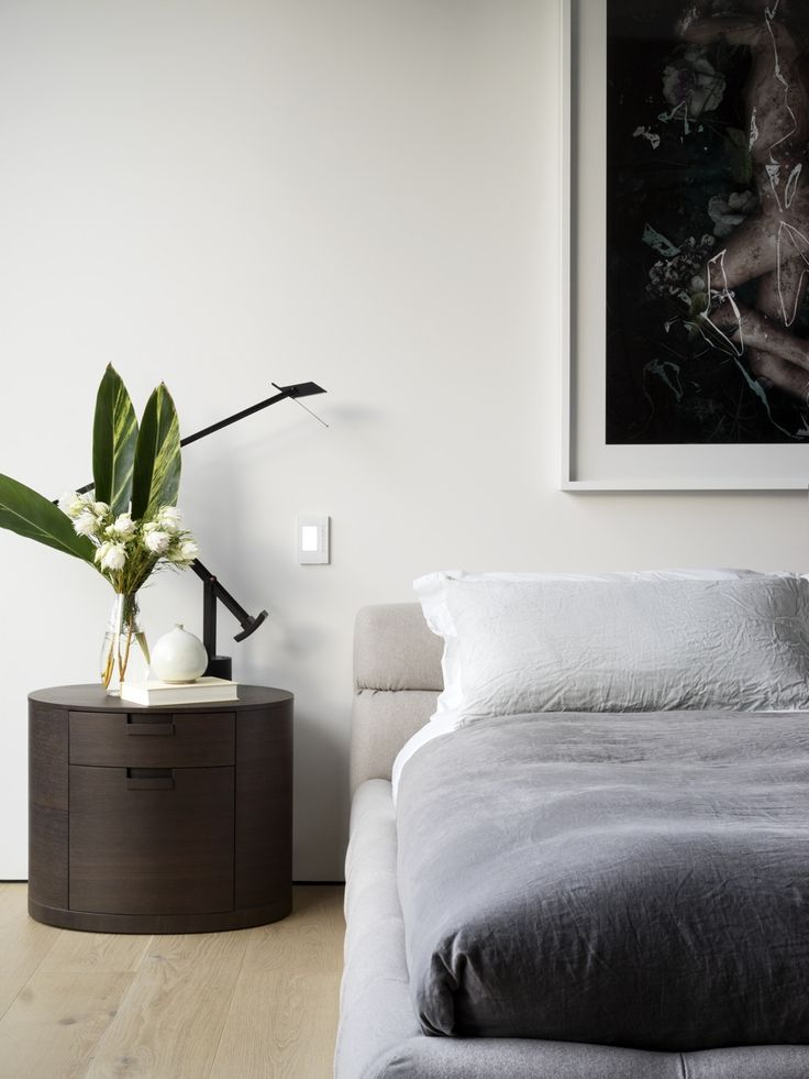Tobias Partners - Cooper Park House. Main Bedroom. B&B Italia 'Tufty-Bed' by Patricia Urquiola from Space. Maxalto 'Amphora' bedside table by Antonio Citterio from Space. 'Tizzy' lamp from Artemide. Bedlinen from Society.