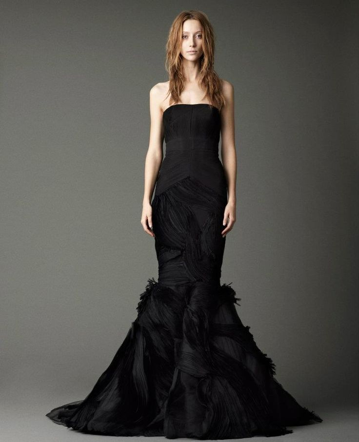 18 besten vera wang dark wedding gowns bilder auf. Black Bedroom Furniture Sets. Home Design Ideas