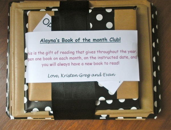 Super cute birthday idea: Craft, For Kids, Gift Ideas, Birthday Idea, Book, Diy Gifts, Month Club, Month Gift, Christmas Gift