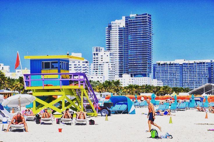 chytejcie bild na dzisioj coby chocioż kapka sie ôgrzoć przi mobilnioku: plaża za kerōm fest sie nōm cni - Miami Beach.  - a na wieczōr rychtujymy post ô naszej ôstatnij rajzie w tym roku fajny je!  - #miami #miamibeach #florida #beach #belekaj #godej #rajza #podroze #podróż #podróże #zwiedzanie #usa #unitedstates #eastcoast #us #wakacje #tb #throwback #blogpodrozniczy #travelblog #floryda #miamilife #blogtroterzy #instatravel #instatrip