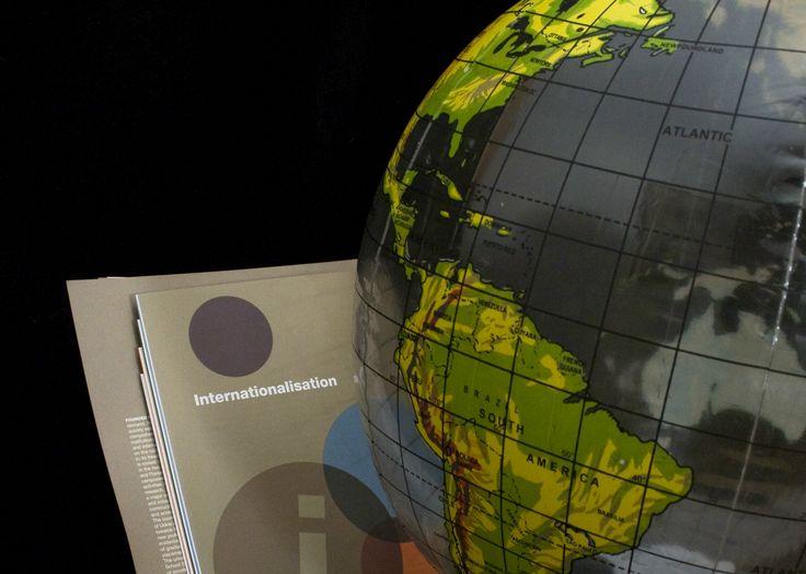 """L'Università di Udine, nell'ambito del progetto """"Incentivi all'Internazionalizzazione dei corsi di studio"""" bandisce un concorso per la selezione di studenti, dottorandi e specializzandi iscritti presso l'Ateneo per trascorrere periodi di studio in Paesi extraeuropei.  Tutte le informazioni sono disponibili al seguente link http://www.uniud.it/ateneo/normativa/albo_ufficiale/406-2013/file"""