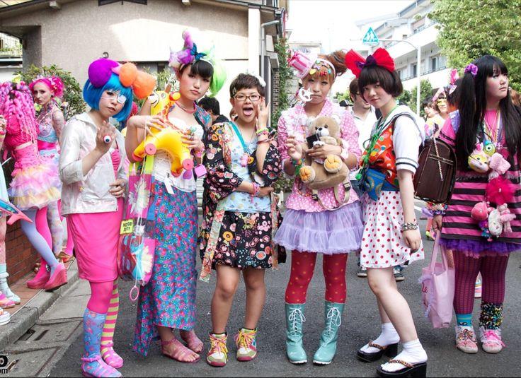 WISATAWAN HARAJUKU BAGAIKAN PISAU BERMATA DUA| ARTFORIA.COM  Berita Fashion Jepang – Harajuku merupakan sebuah lokasi di negara Jepang yang tentunya sudah sangat dikenal orang, masyarakat Jepang bahkan turis dari luar negeri pun telah mengetahui lokasi ini merupakan sebuah lokasi yang memiliki unsur fashion yang sangat tinggi, melihat perkembangan area Harajuku dari tahun ke tahun memang terus meningkat perkembangan aktivitas fashion disini bahkan menurut beberapa orang mengatakan mereka…