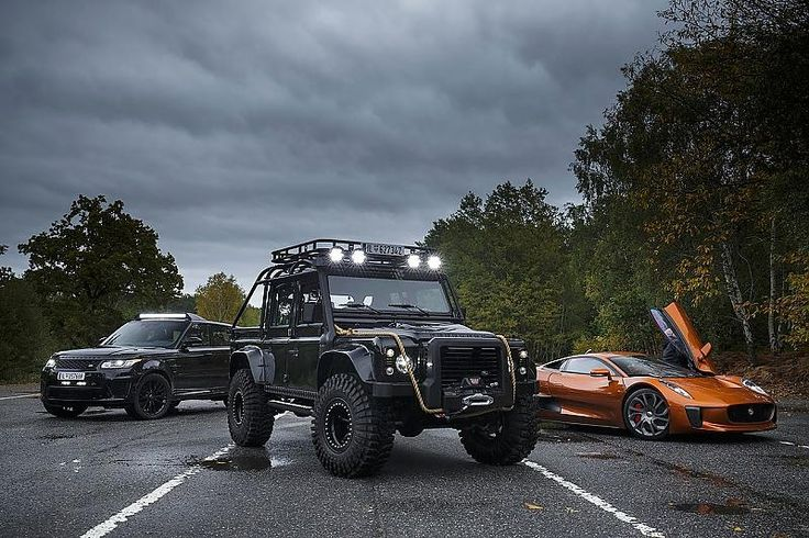 In diesen Autos jagen die Spectre-Schergen James Bond