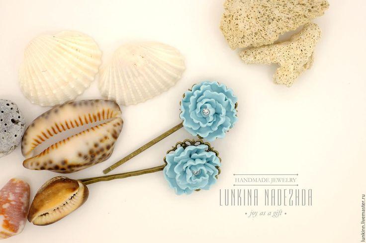 Купить Невидимки голубые пионы - голубой, пион из полимерной глины, зажим для волос, невидимка